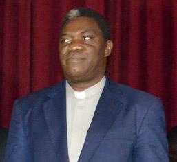 Rév. Père Jean Bertrand SALLA - Recteur de L'UCAC